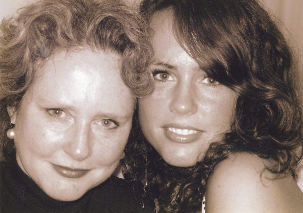 Karen en Sarah.